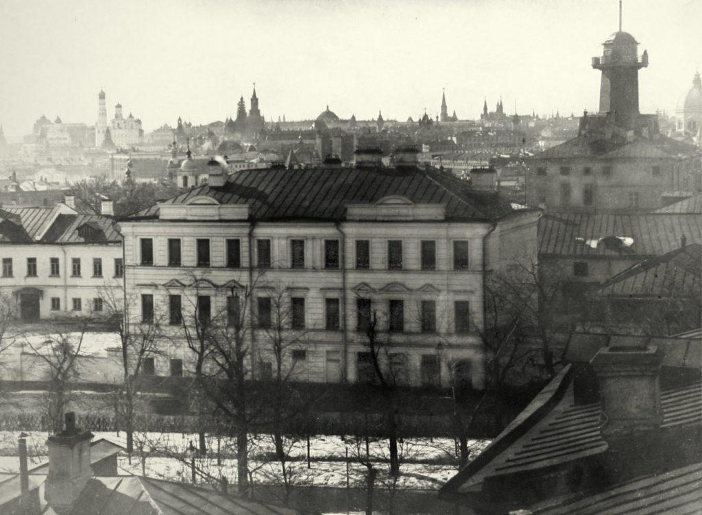 Дом на Покровском бульваре